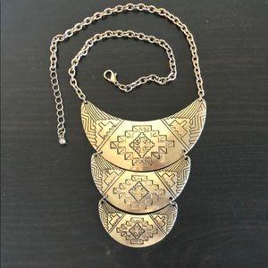 Adjustable tribal necklace